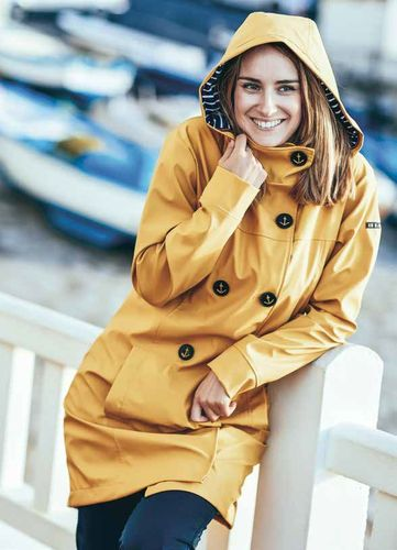 Raincoat woman anchor buttons