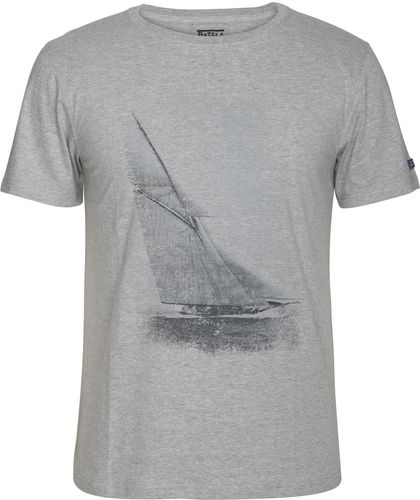 T-shirt with a sailing boat for men