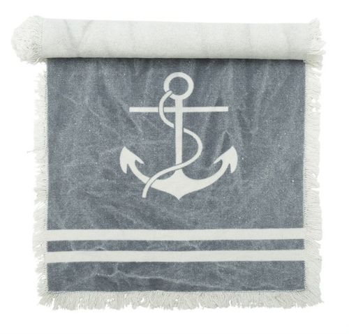 Table runner with anchor